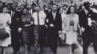 MLK-leading-people