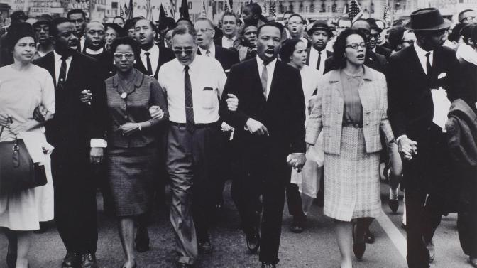 MLK-leading-people